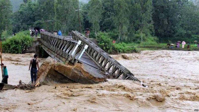 Banjir Hantam India, Jutaan Orang Mengungsi